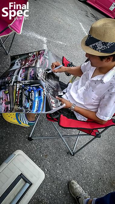 (C) Nick Nagano / Autografa essa porra aí, mito!