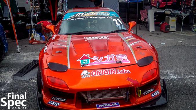 (C) Nick Nagano / Unico RX-7 presente como participante do dia. Por curiosidade, ele também corre na D1GP.